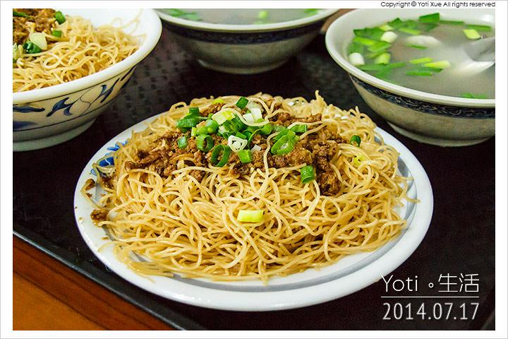 140717 花蓮吉安-春龍小吃(慈惠堂旁豬血湯米粉炒) (07)