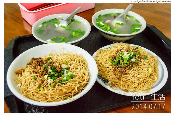 140717 花蓮吉安-春龍小吃(慈惠堂旁豬血湯米粉炒) (08)