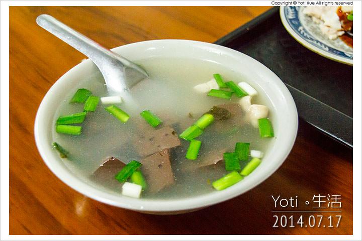 140717 花蓮吉安-春龍小吃(慈惠堂旁豬血湯米粉炒) (12)