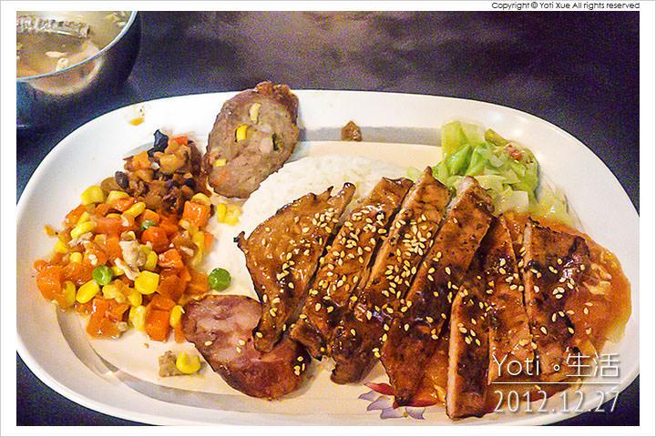 121227 花蓮市區-食七街碳烤食堂(十一街碳烤) (01)