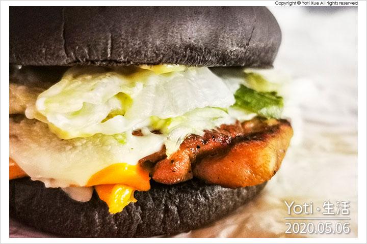 麥當勞-嫩雞起司黑堡
