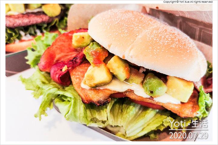 麥當勞-酪梨嫩煎雞腿堡